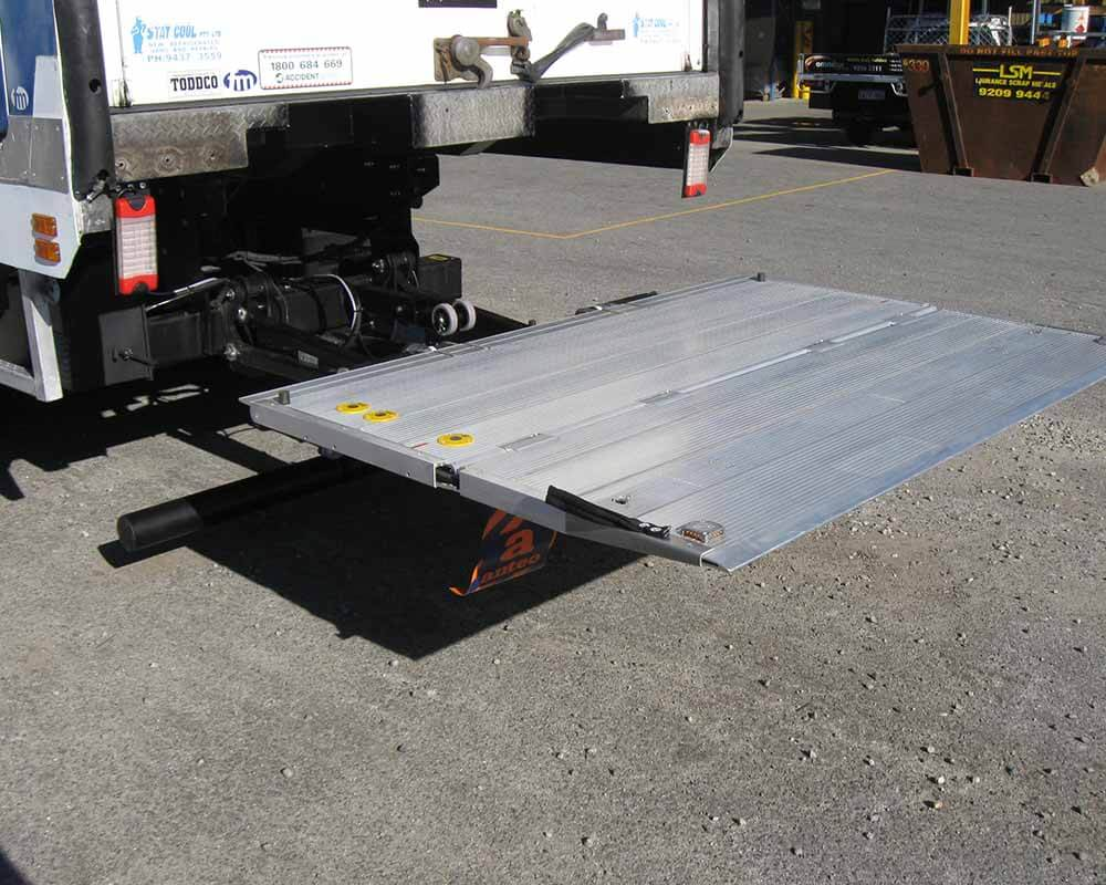 Large Truck Tail Lift Install 3