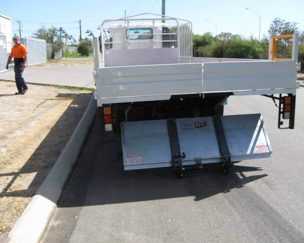Light Truck Tail Lifter Install 2